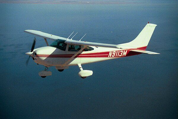 Cessna 182 for aerial survey